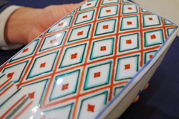 富本憲吉 角瓶の形状